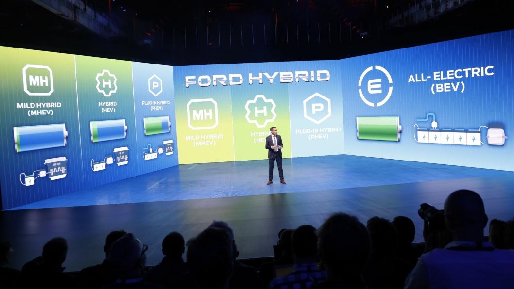 Styreformann i Ford Europa, Steven Armstrong, la fram planene for 16 elektriske nyheter under arrangementet Go Further.