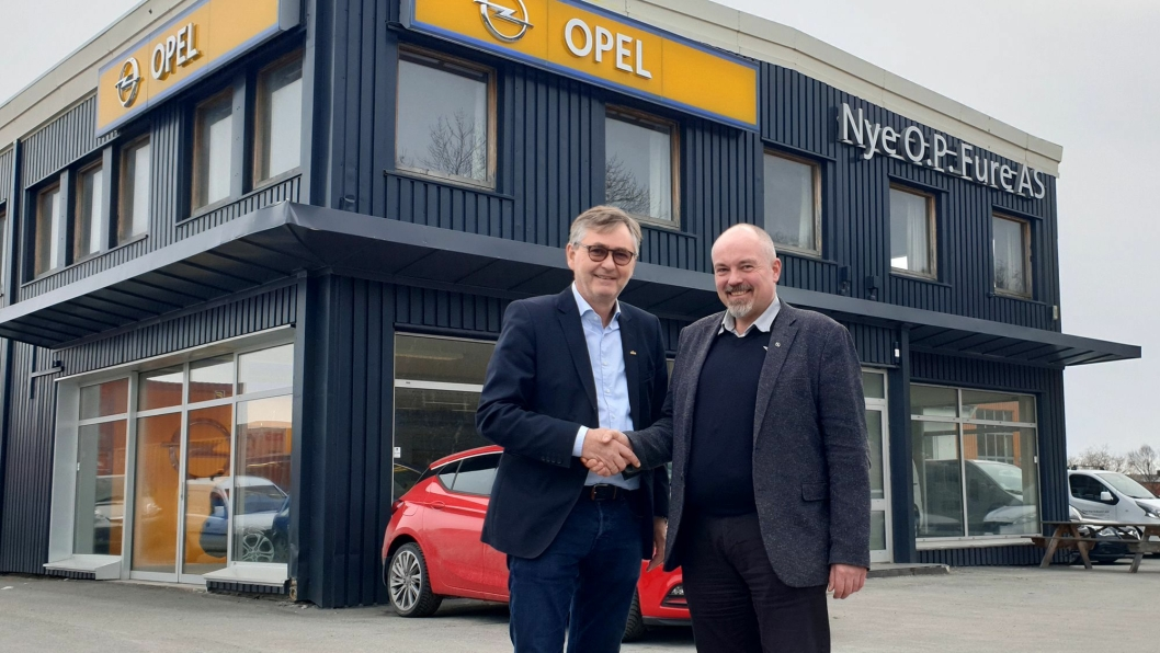 FRa venstre: Konsernleder Thor Allan Nordvik og daglig leder og medeier Chriss Marken i O. P Fure.