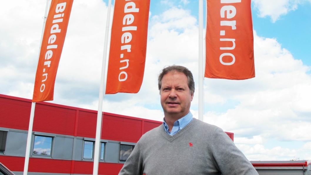 Helt siden han startet Norsk Bildelsenter for 29 år siden har Arne Aasland ligget tett på den daglige driften.