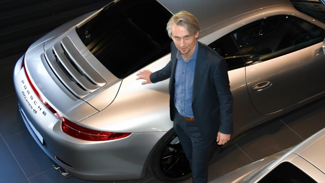 Administrerende direktør i Autozentrum Sport, Morten Scheel, går spennende tider i møte med introduksjonen av den helelektriske modellen Taycan.