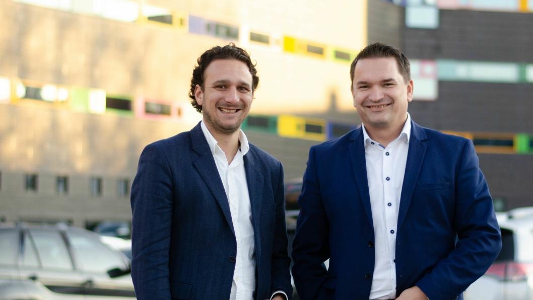 F.v.: Daniel Solomonsz (markedssjef, Bilbransje24) og Tom Gundersen (Head of Sales, If).