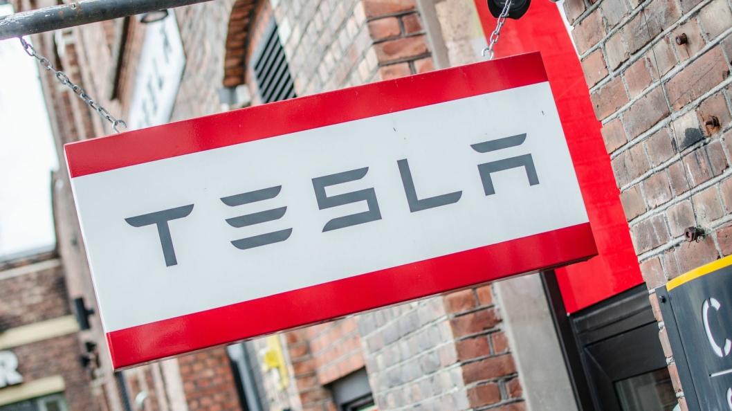 Tesla skal åpne flere nye salgs- og servicepunkt. Bildet er fra anlegget på Skøyen i Oslo.