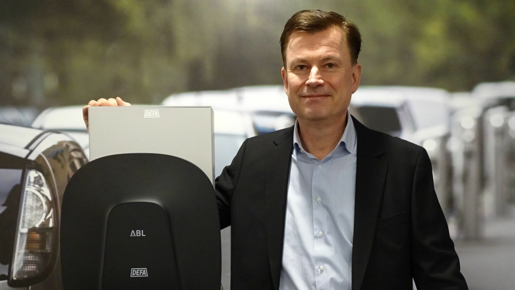 Håkon Åmotsbakken går fra Nissan-importøren til Defa.