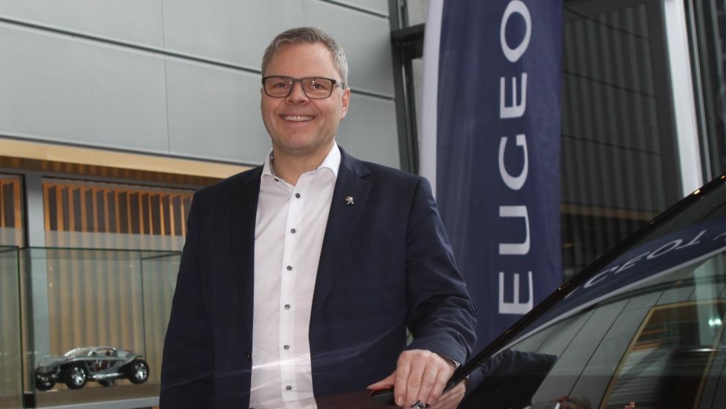 """Peugeot-direktør Rune Hensel hos Bertel O. Steen mener Peugeot har """"tidenes"""" forutsetninger for å lykkes i det norske markedet i 2020."""