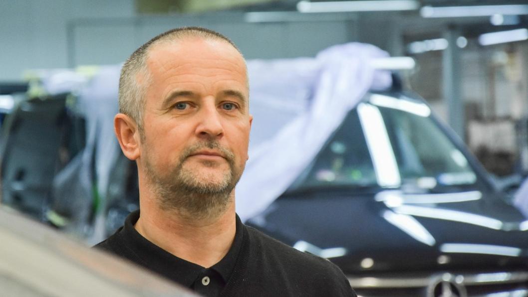Med den nye elbilen Taycan kan det blir interessant for oss å sertifisere enkelte avdelinger for Porsche, sier Norges-sjef for Werksta-kjeden, Neale Laker.