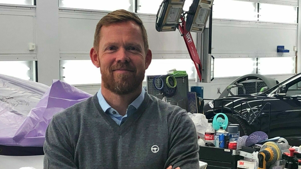 Georg Risheim er sjef for den norske Werksta-virksomheten. Nå blir Werksta partner for Xpeng på skadereparasjoner.