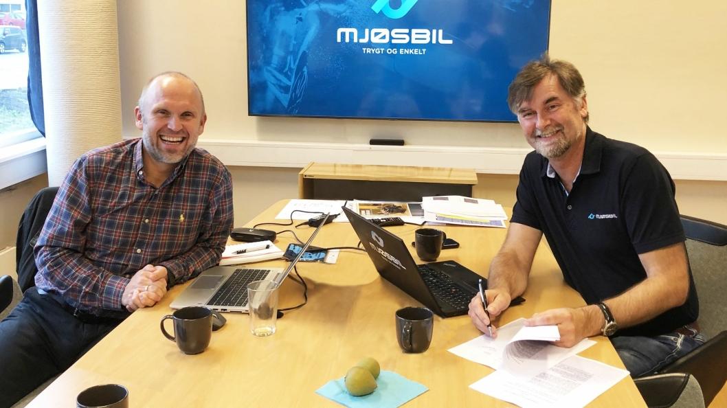 F. v.: Morten Dyrberg (kommersiell direktør, NDS Group) og Jens Petter Markestad (daglig leder, Mjøsbil).