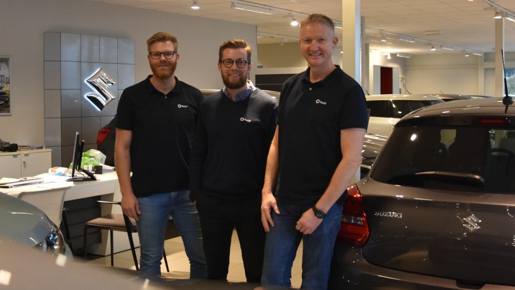 F. v.: John Olav Lauvland (ettermarkedsansvarlig), Håkon Næs (salgssjef) og Steinar Gundersen (daglig leder) i Star Bil.