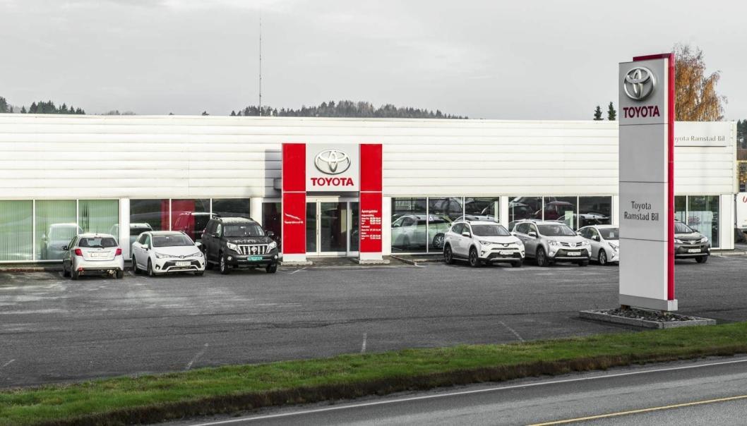 Toyota Ramstad Bil har to avdelinger; på Mysen og i Askim.