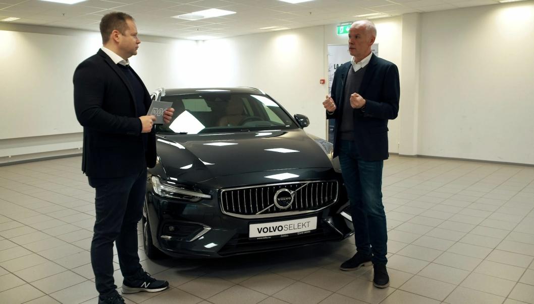 F. v.: Christian Lagaard (kommunikasjonsrådgiver, NBF) og Tore Rylander (fagsjef bilsalg, NBF).