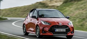 Bilsalget i november: Årsbeste for Toyota - fester grepet om andreplassen i år