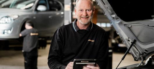 Dekkmann lanserer service med fastpris for eldre biler