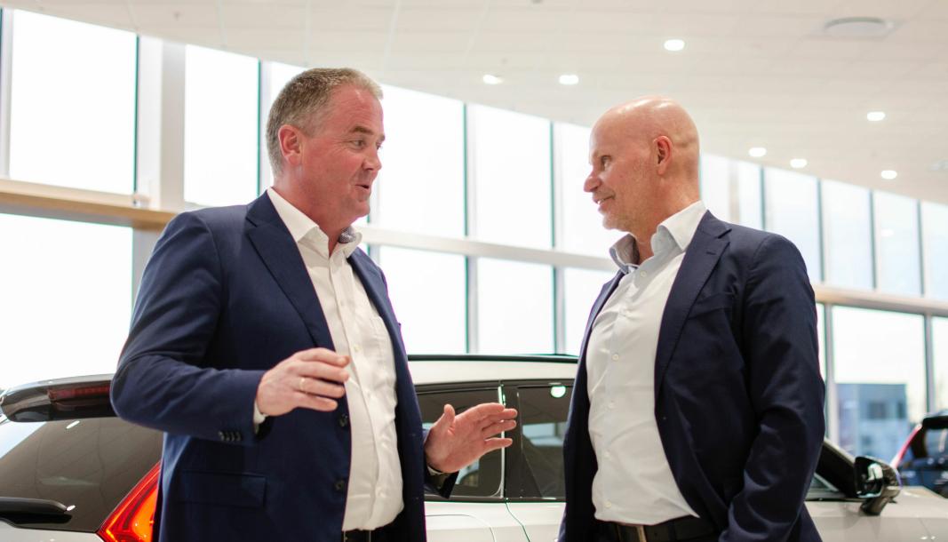 <em>F. v.: Frode Hebnes, administrerende direktør i Bilia i Norge, sammen med Bilia-konsernsjef Per Avander.</em>