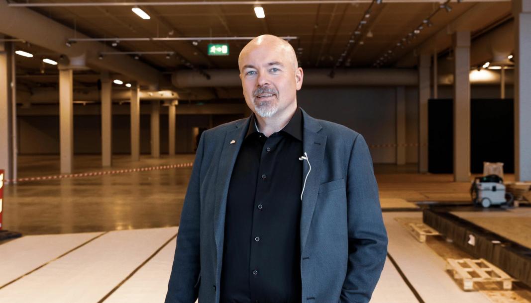 <em>- Dette blir Bodøs nye bilsalong, sier Chriss Marken, administrerende direktør i M Nordvik.</em>