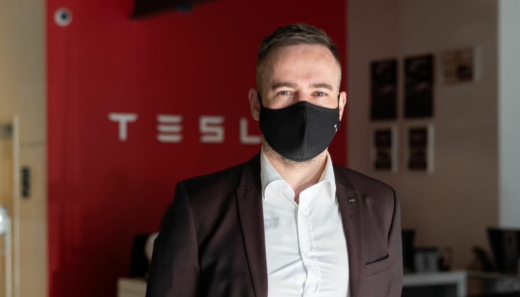 <em>Axel Tangen har vært ansatt i Tesla siden 2013, og er nå leder for den norske Tesla-virksomheten.</em>