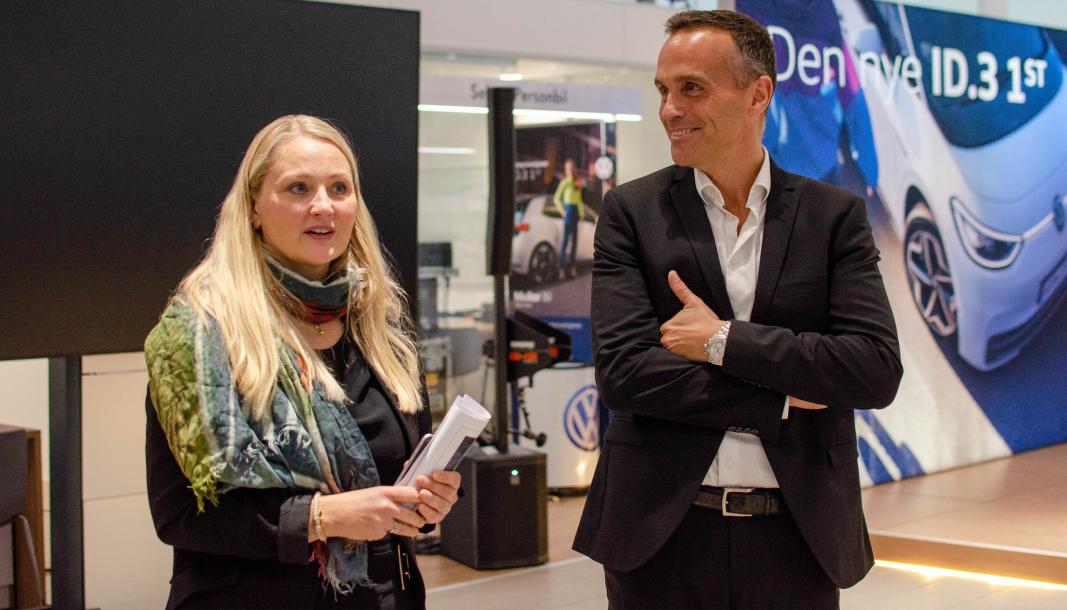 <em>F. v.: Anita Svanes og Harald Edvardsen-Eibak under den norske premieren på Volkswagen ID.3.</em>