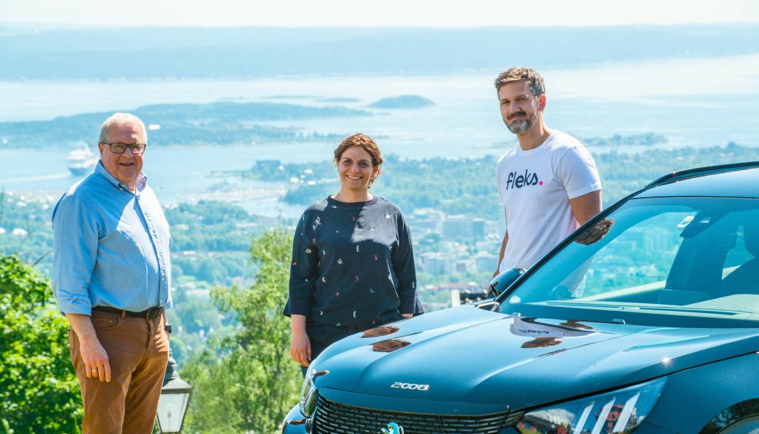 <em>Rune G. Surland, styreleder Sparebank 1 Mobilitet, Simona Trombetta, direktør kjedeutvikling og tjenester Bertel O. Steen og Petter Kjøs Utengen, daglig leder Fleks.</em>