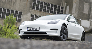 Hver tredje nybil i september var en Tesla