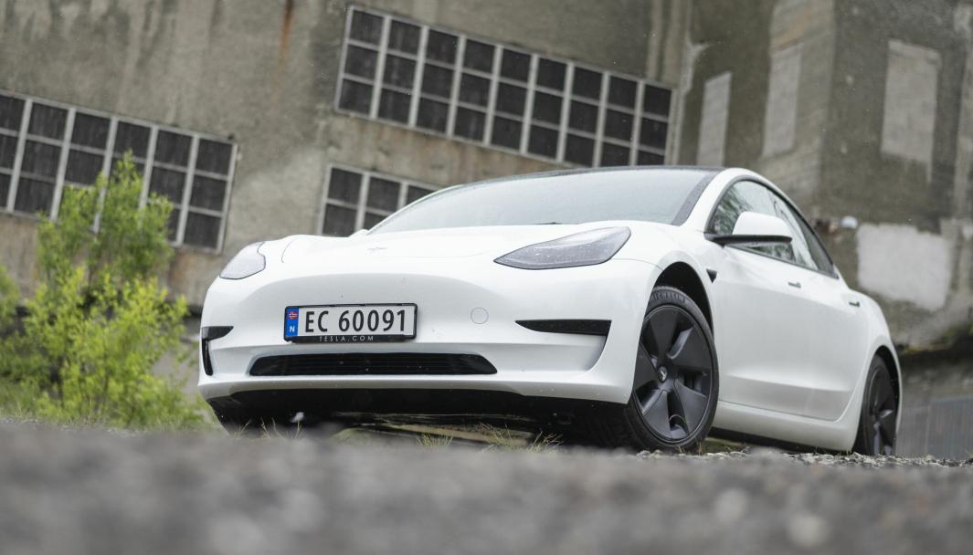 Model Y stjeler kanskje mange av overskriftene om dagen, men Model 3 holder fortsatt formidabel salgstakt.