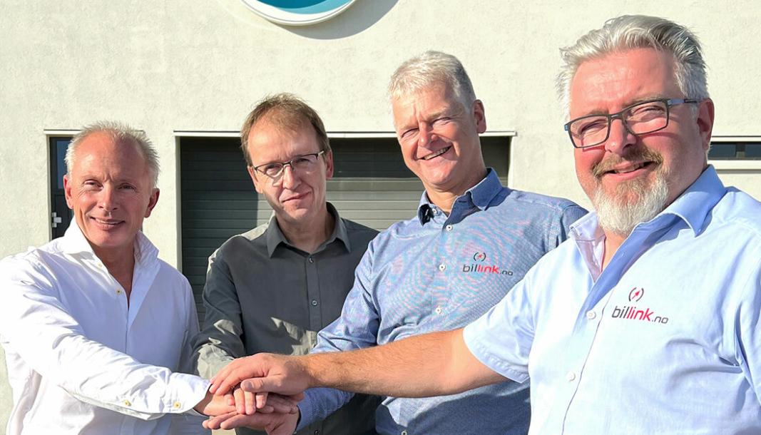 F. v.: Lars Hansson (adm. dir. Fragus Group) sammen med Billink-eierne Bjarne Nordal, Stein-Erik Brynildsen og Per Oppegård.